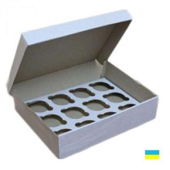 Коробка под кекс 330х250х110 (под 12 шт. По 6 см) со вставкой микрогофр. картон 2 ч.