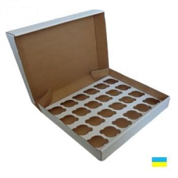 Коробка под кекс 475х321х90 (под 24 шт. По 6 см) со вставкой микрогофр. картон 3 ч.