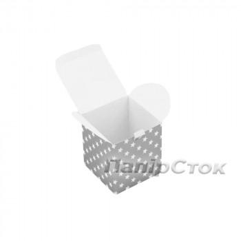 Коробка с мелов.картон. 100х100х100 Звезды на серебре самосборная 3ч.