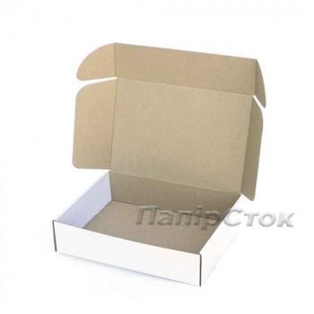 Коробка с микрогофр. белая 300х240х90, самосборная